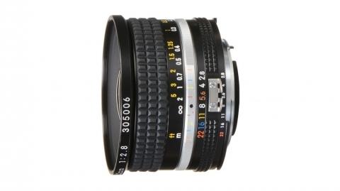 20 mm f/2.8