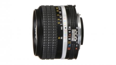 24 mm f/2.8